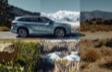 Highlander Hybrid Platinum AWD shown in Moondust