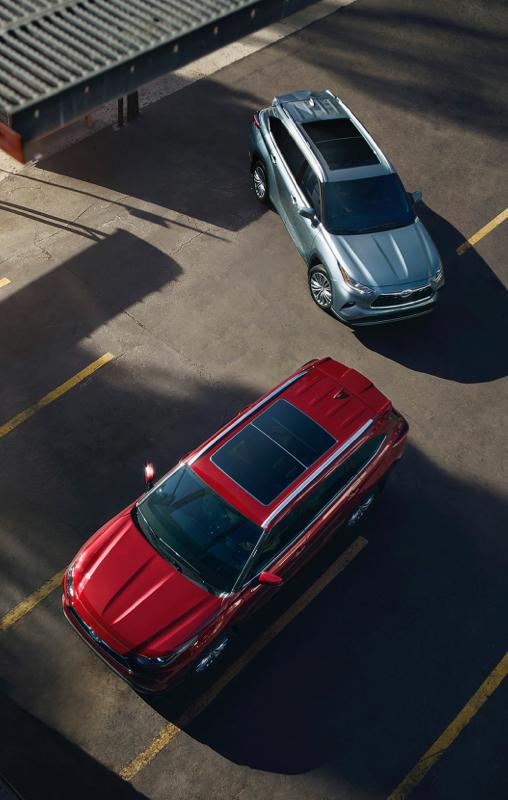 Highlander hybride Platinum couleur en Poussière lunaire et Rouge rubis nacré