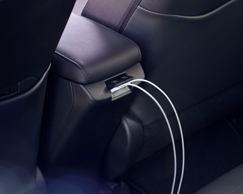Prius Prime groupe Technologie avec port USB à l'arrière