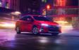 Prius Prime montrée en Rouge supersonique