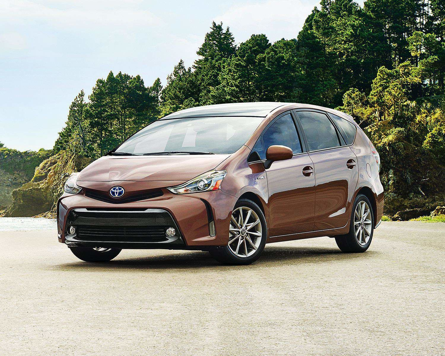 Prius v Technology Package shown in Toasted Walnut Pearl