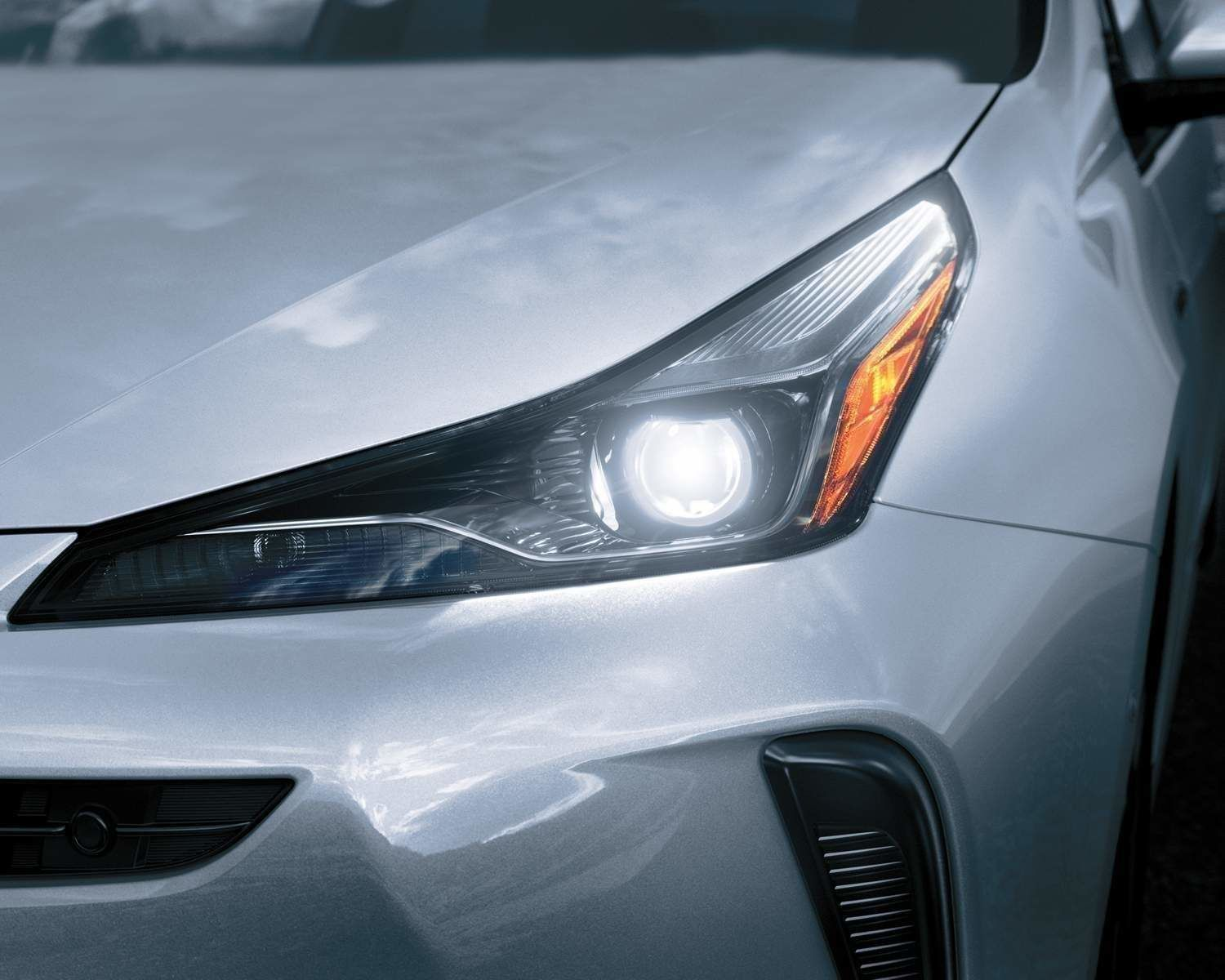 Prius LED headlamps