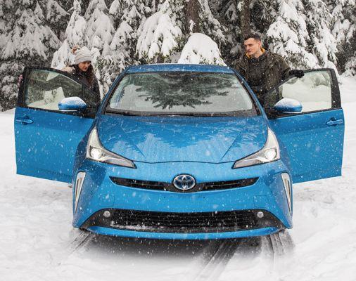 Prius AWD-e couleur Bleu orage électrique