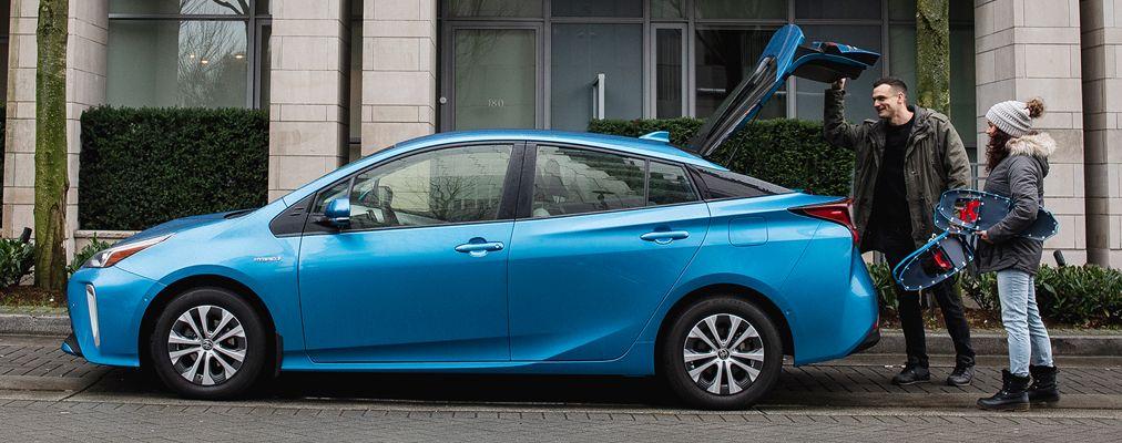 Prius Technologie AWD-e couleur Bleu orage électrique