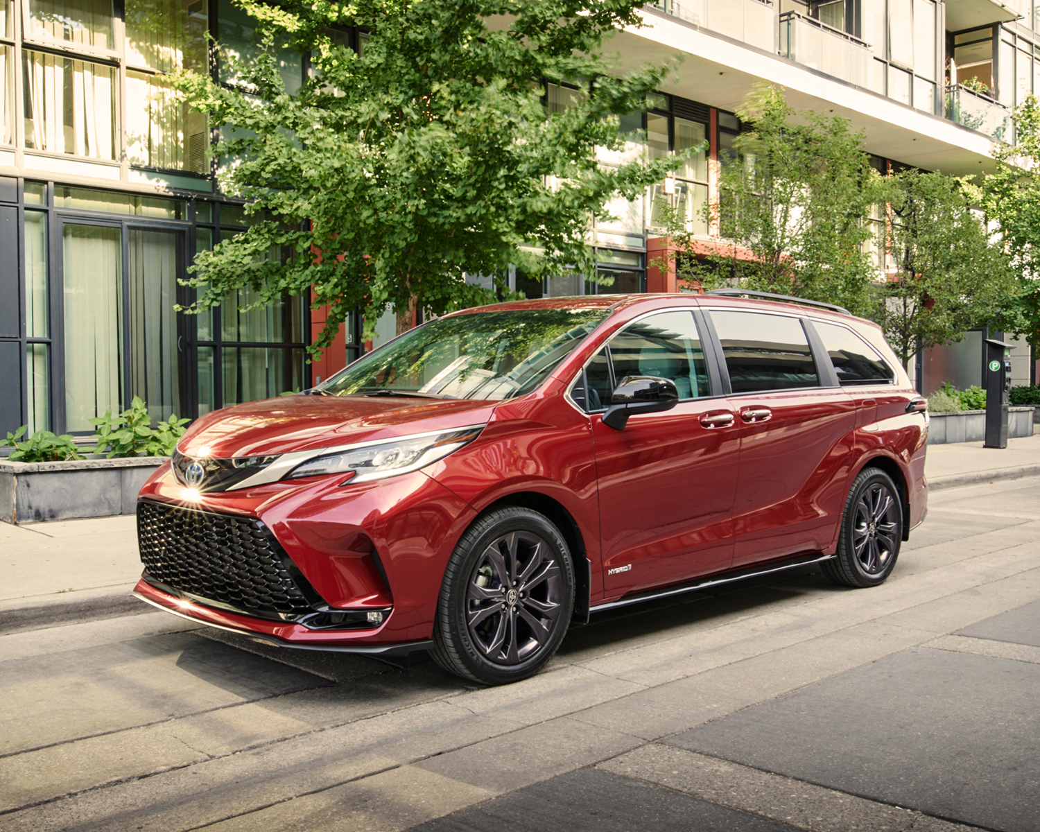 Sienna XSE AWD 7-Pass shown in Ruby Flare Pearl