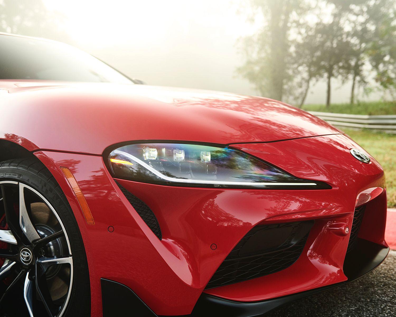 GR Supra 3,0 2022 montrée en Rouge renaissance 2.0