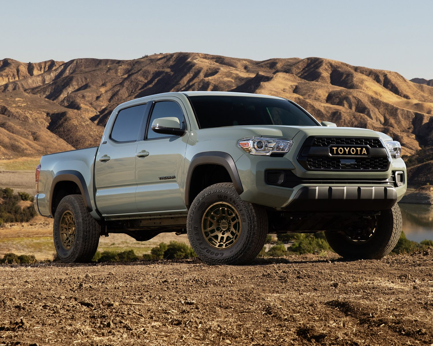 Tacoma 4X4 Double Cab Trail in Lunar Rock