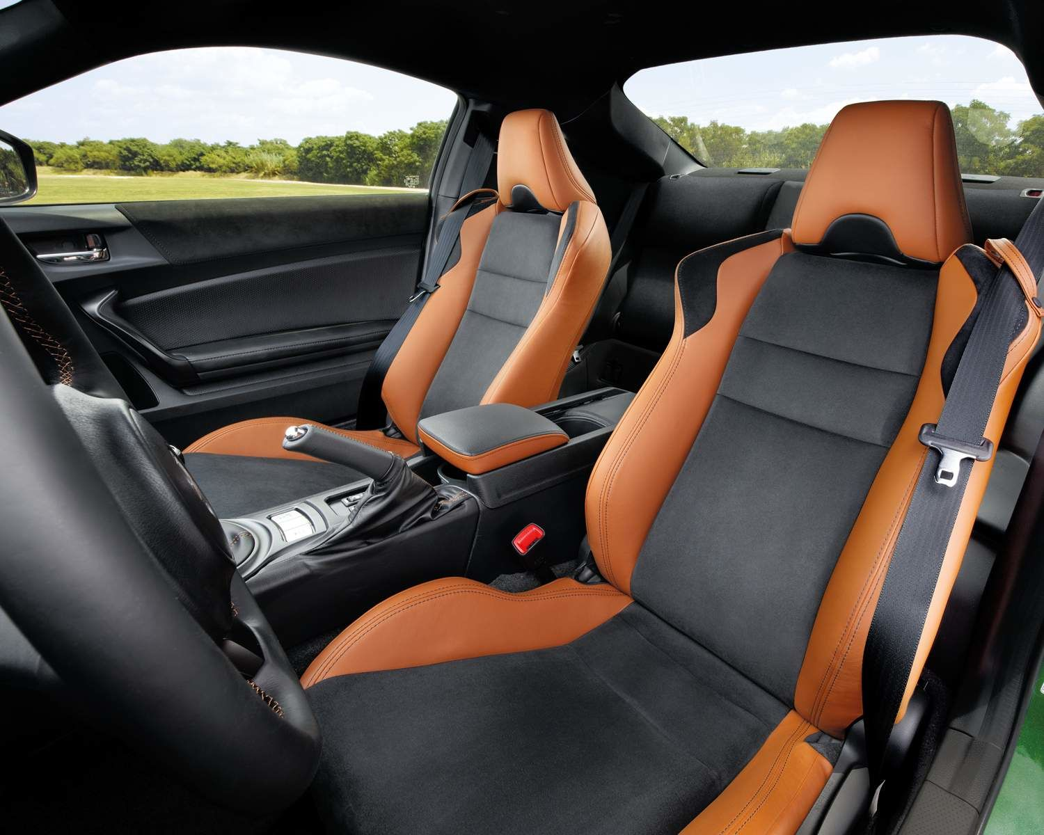 Toyota 86 Interior Front Seats show in Tan/Black