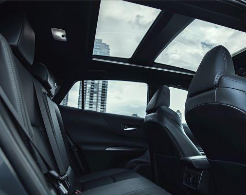 Intérieur en SofTex noir de la Venza Limited avec toit panoramique en verre Star Gaze