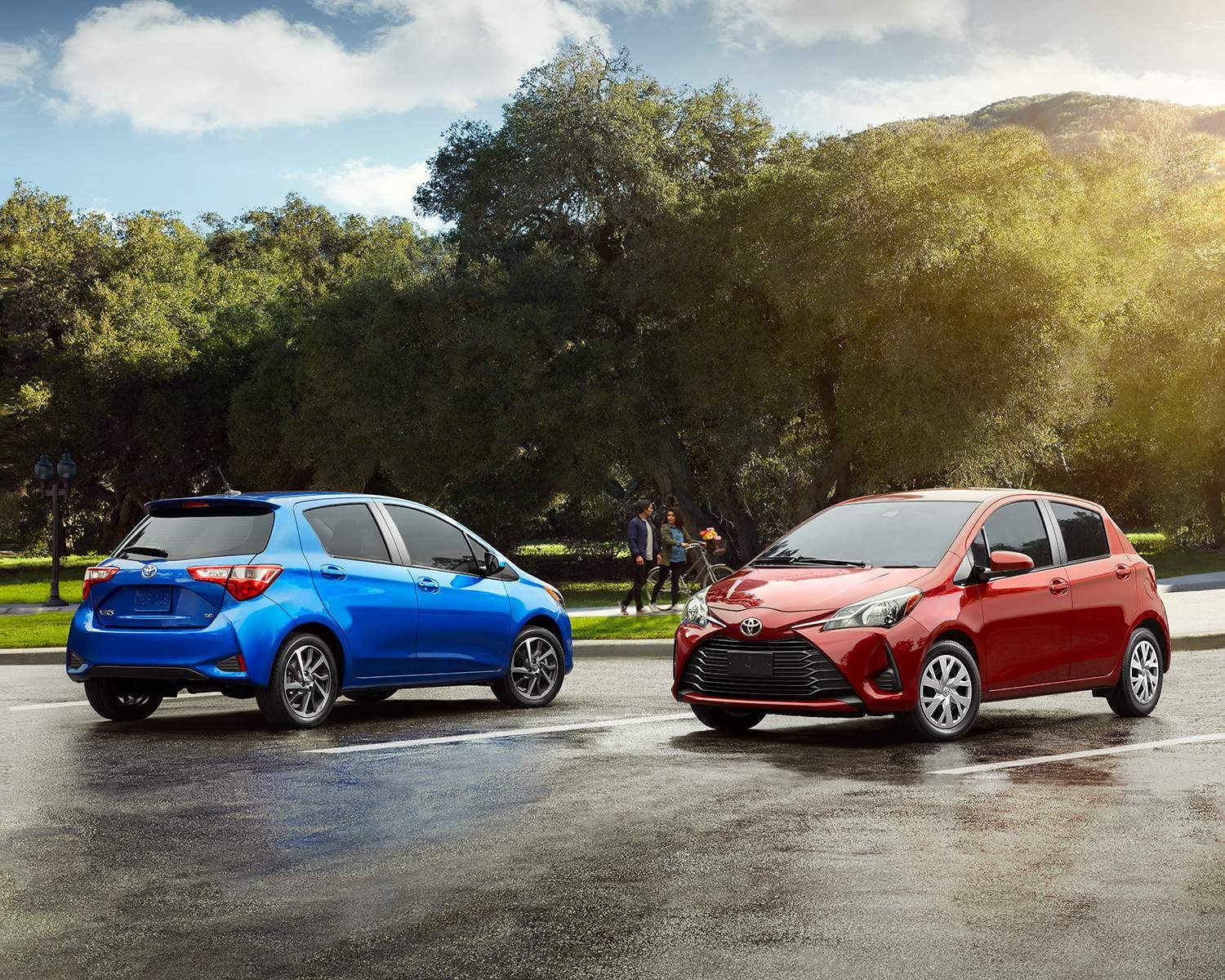 Yaris Hatchbacks in Blue Eclipse Metallic and Absolutely Red