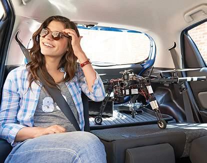 Yaris Hatchback avec banquette arrière divisée 60/40 à dossiers rabattables et plateau de coffre
