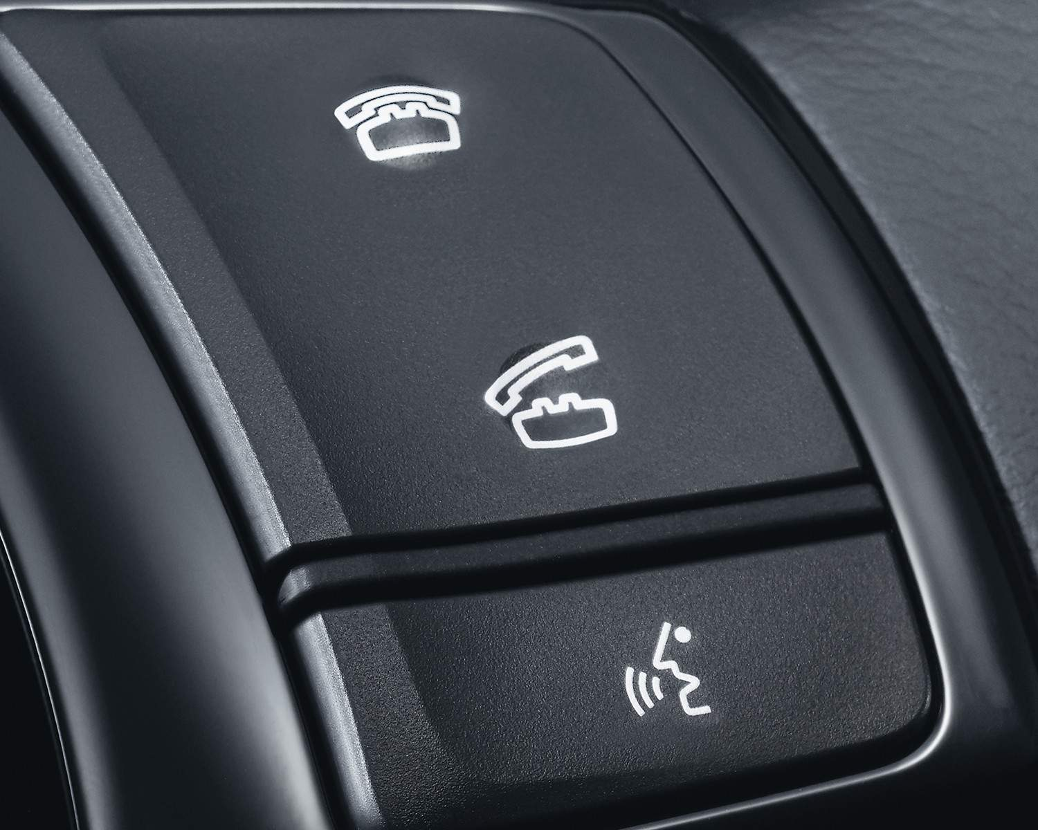 Commandes Bluetooth au volant