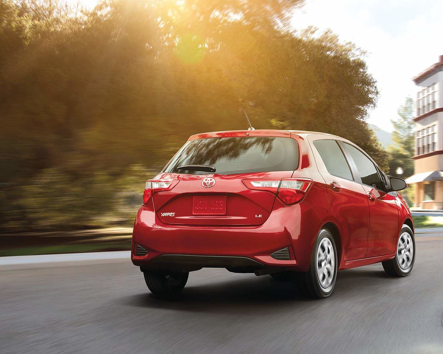 Yaris Hatchback 5-door LE in Absolutely Red