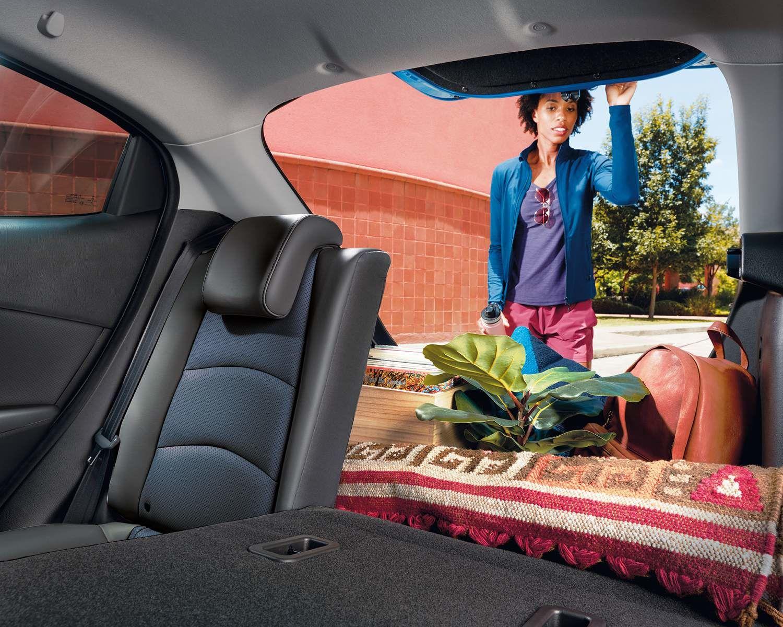 Yaris Hatchback Rear 60-40 Seats