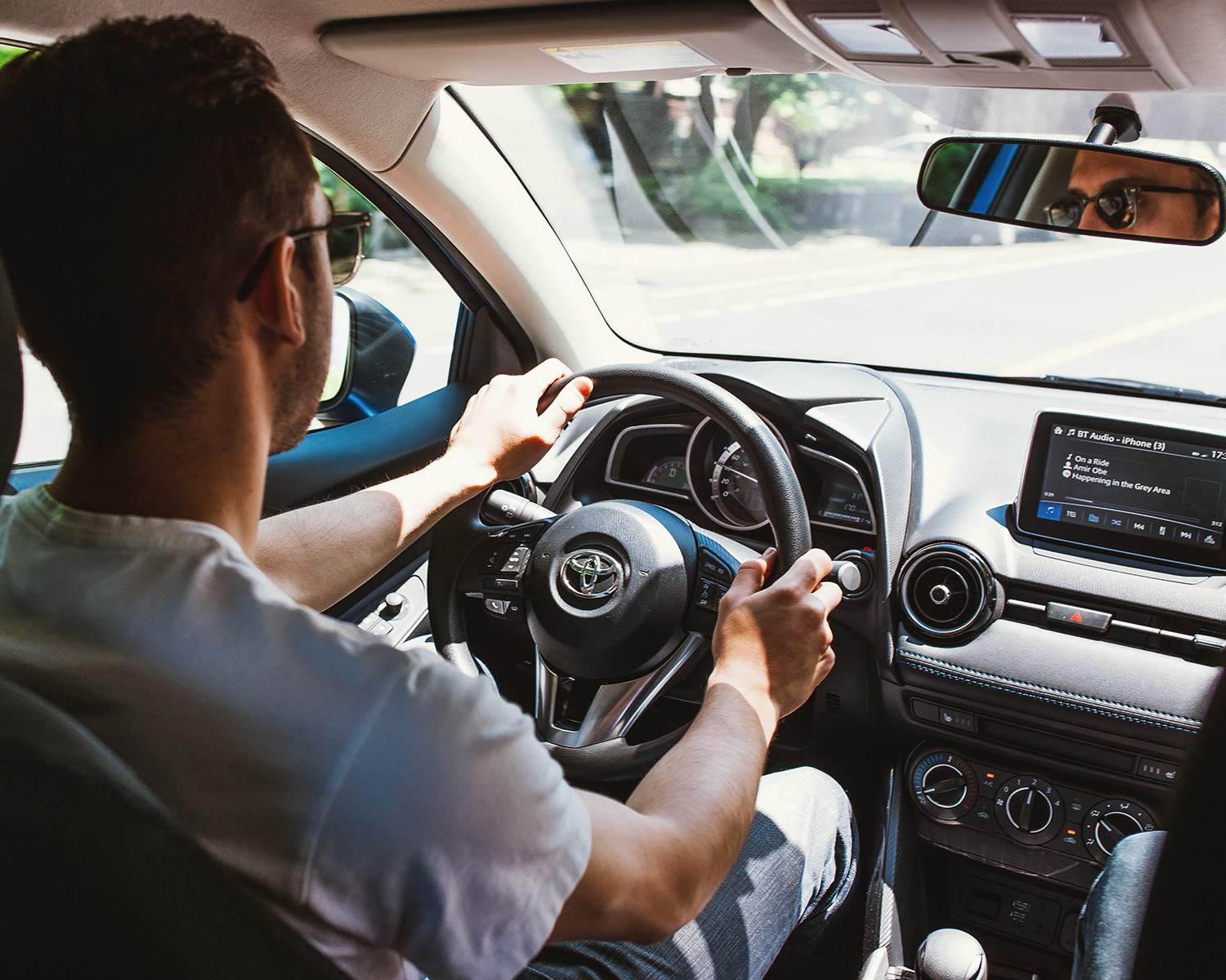 Steering Wheel Bluetooth<sup>TM</sup> and Audio Controls