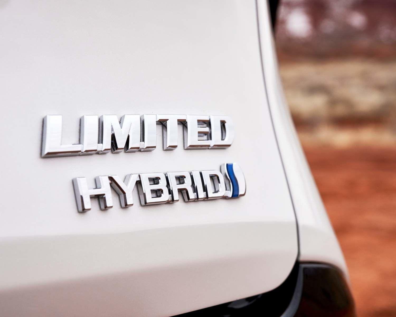 2021 Toyota Sienna Limited Badging
