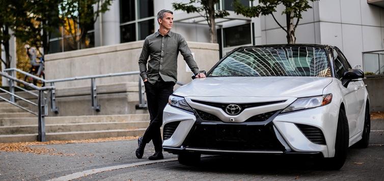 2019 Toyota Camry SE Super White