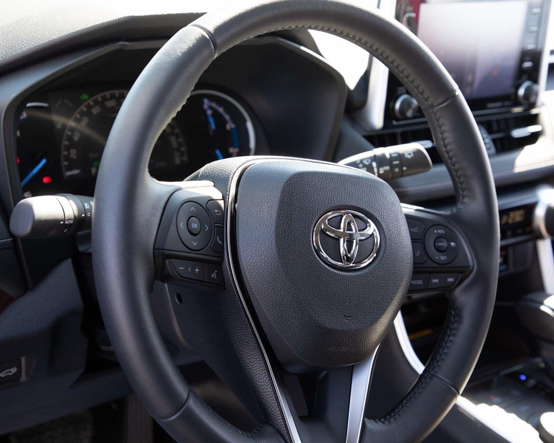 RAV4 Hybrid Limited steering wheel
