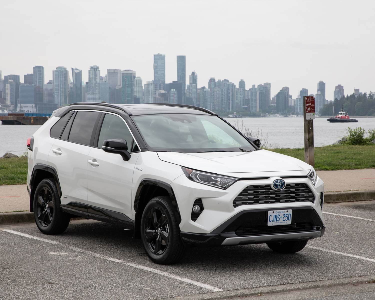 RAV4 Hybrid XSE with Technology Package in Vancouver, BC