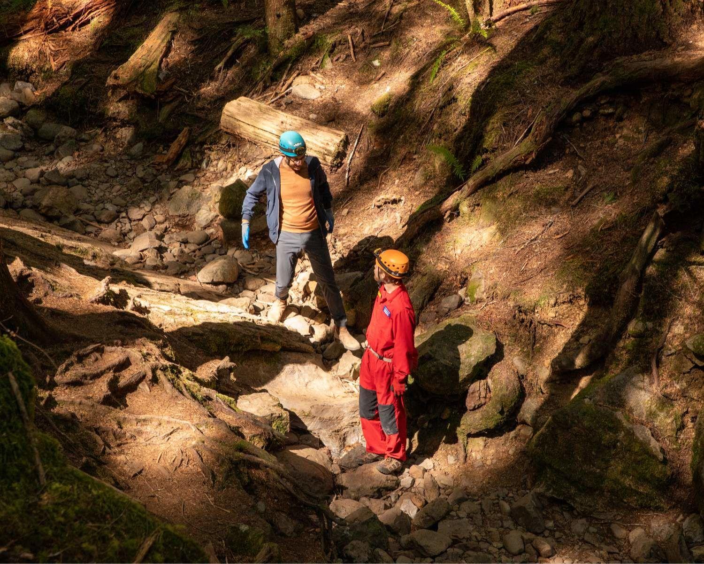 Michael et Myles Fuller aux Grottes du lac Horne