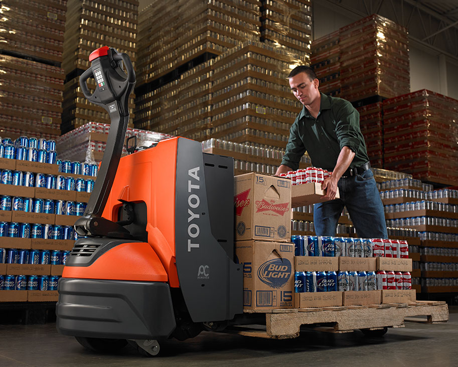 When to Use: Electric Pallet Jack vs  Manual Pallet Jack