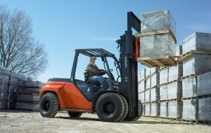 Lifting up to 17,500 lbs, the Large Internal Combustion Pneumatic Tire forklift is a workhorse when lifting lumber, bricks, piping and other heavy materials. Powered by gasoline or diesel fuel, this forklift can handle the most difficult conditions.