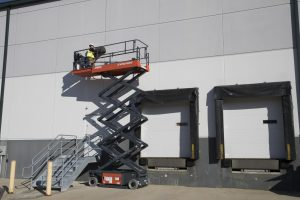 AICHI Scissor Lift Outside