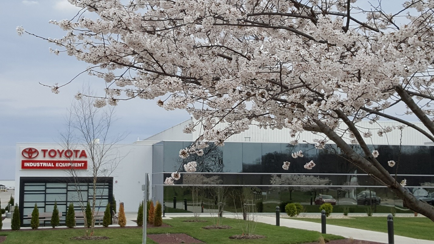 Toyota Columbus Indiana >> Tmhna Honors Columbus In With Cherry Blossoms Toyota