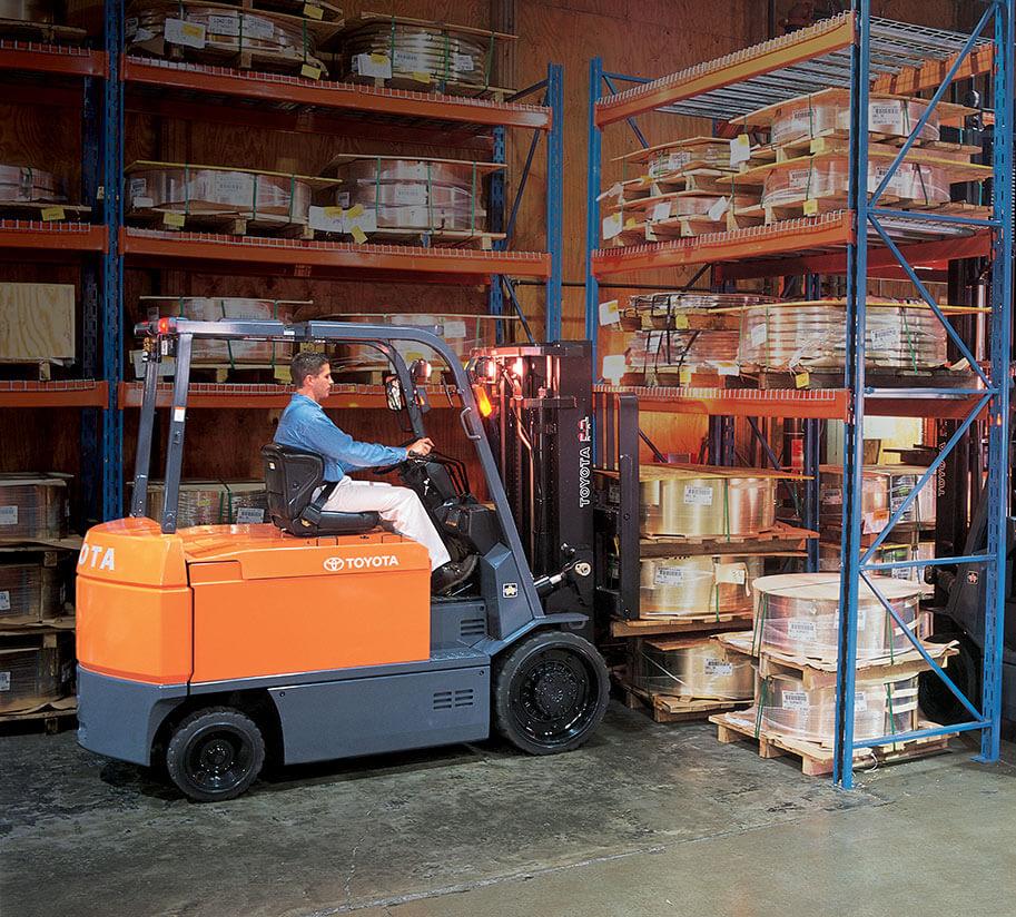Electric Forklift Advantages & Disadvantages   Toyota Forklifts