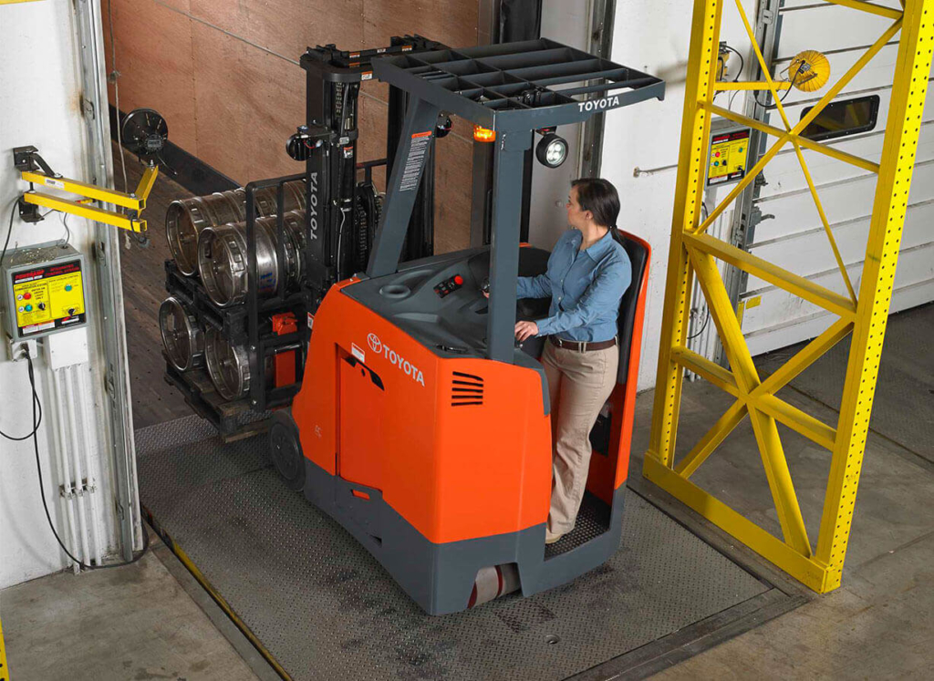Frequently Asked Questions About Forklifts | Toyota Forklifts