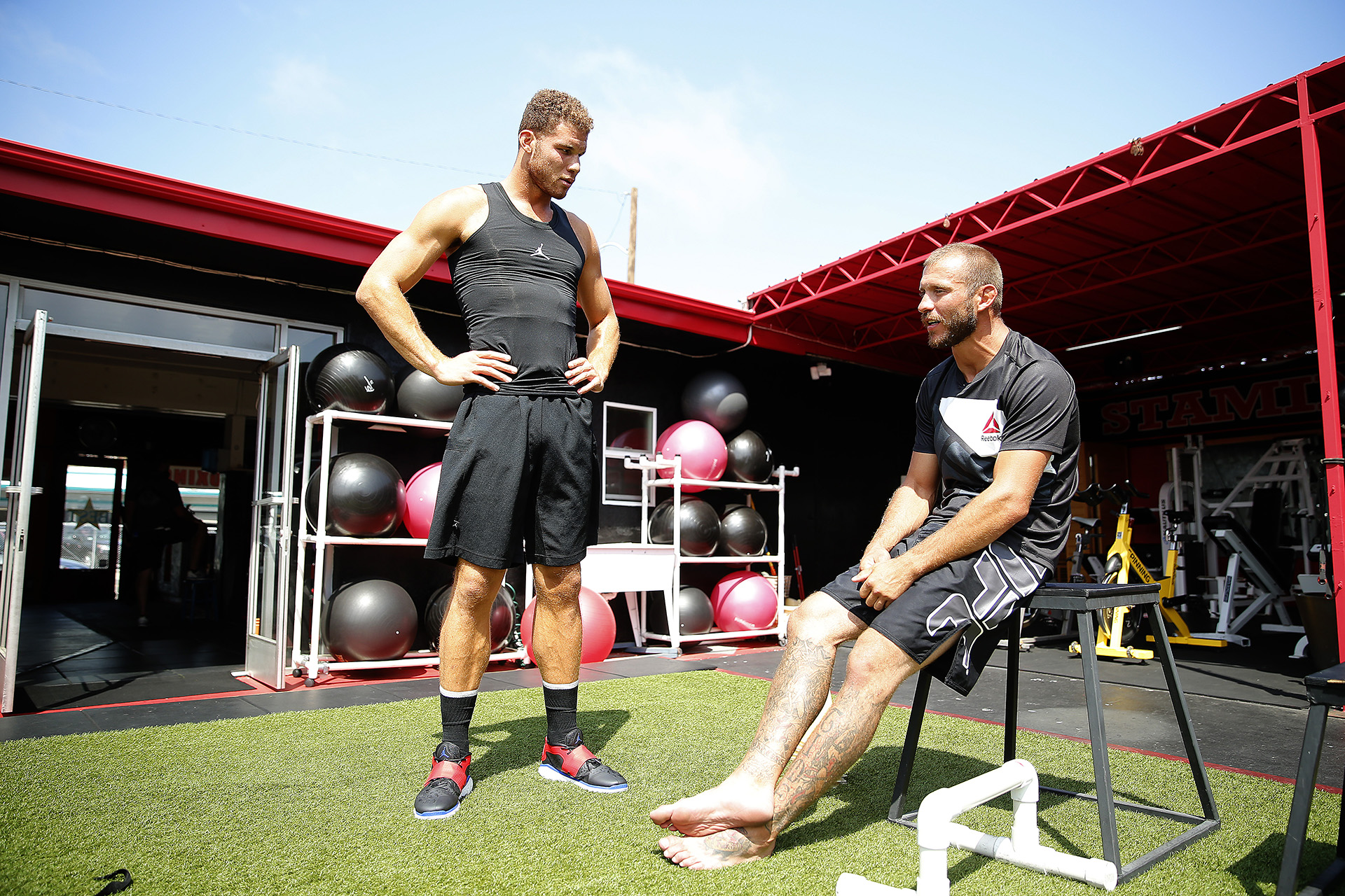 """Blake Griffin trains with Donald """"Cowboy"""" Cerrone on September 22, 2015 in Redondo Beach, Ca.  (Photo by Jed Jacobsohn/The Players Tribune)"""