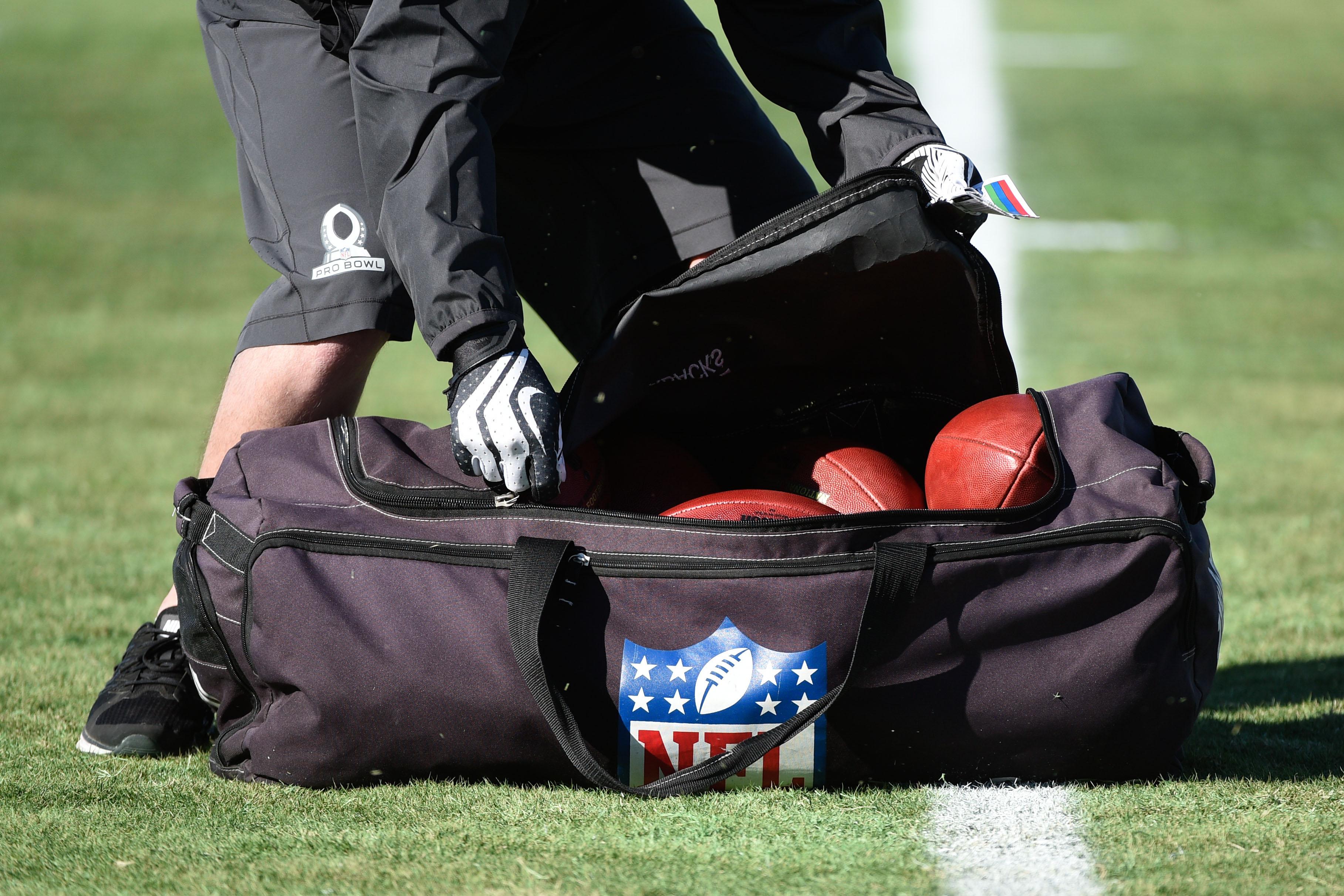 NFL: Pro Bowl-Team Carter Practice