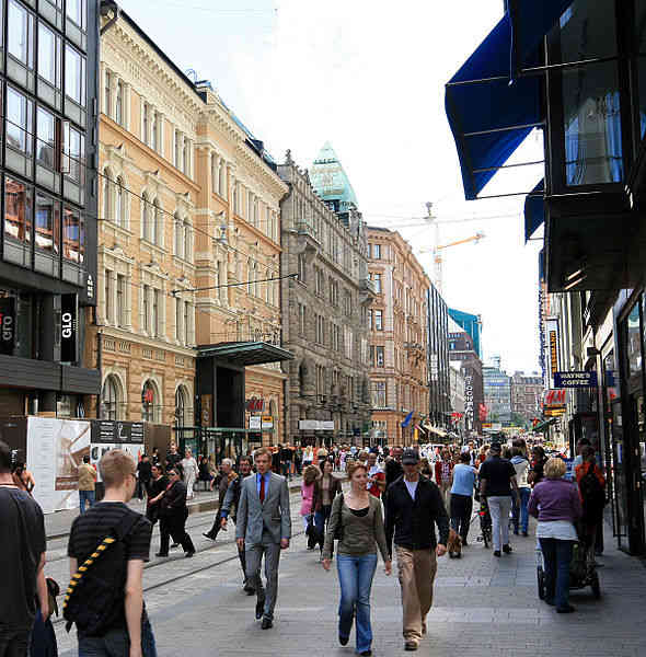 Aleksanterinkatu in Central Helsinki