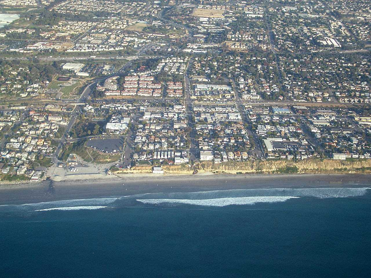 Encinitas California showing Moonlight Beach