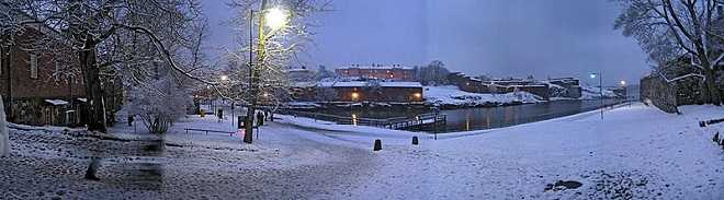 Suomenlinna at night in winter.