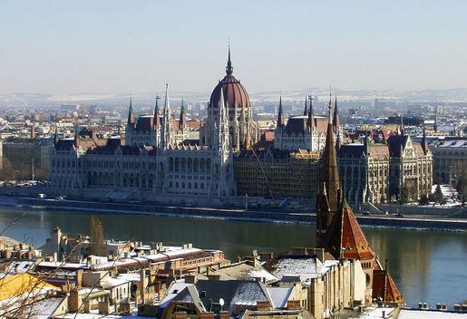 В европе замок вайдахуняд в городском