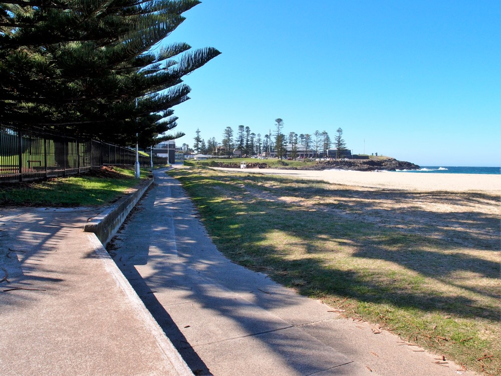 Nice walk along Kiama Surf Beach