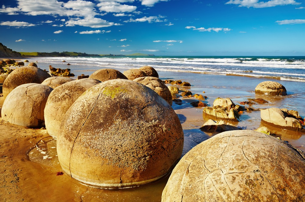 Best Time of Year to Go to New Zealand - Moeraki Boulders