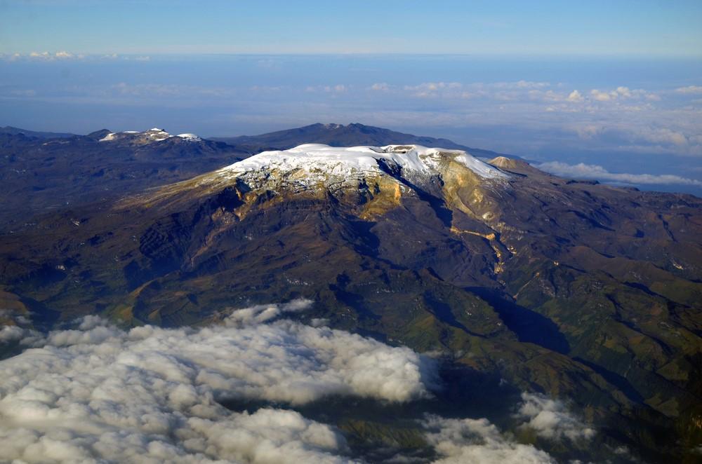 Mind-blowing volcanoes Nevado del Ruiz, Columbia