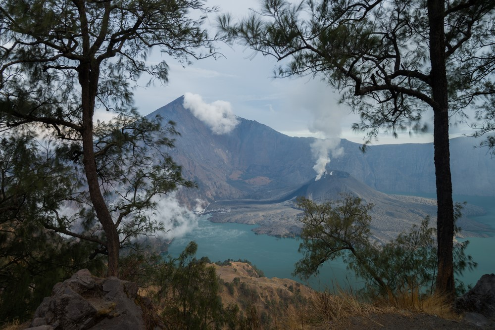 Mind-blowing volcanoes Mount Rinjani, Indonesia