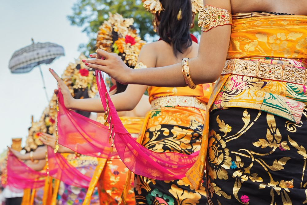 Things to do in India Join the fun at a Hindu festival