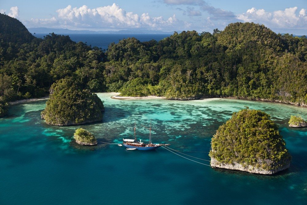 20 Most Amazing Places to Visit Before You Die - Raja Ampat