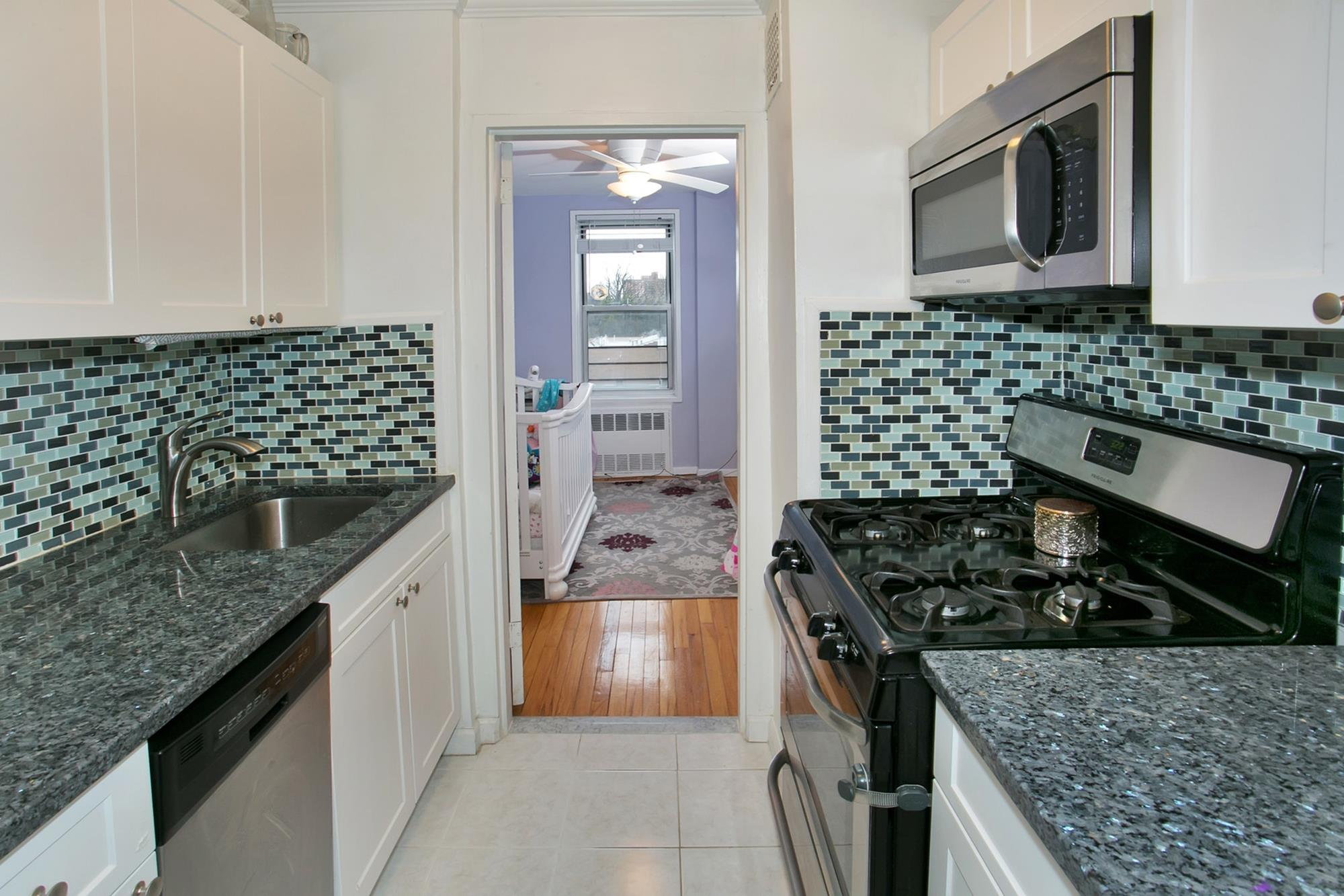Spacious Junior-4 Co-op with 2nd Bd. & Indoor Parking at The Mark Chester -- Pet Friendly,