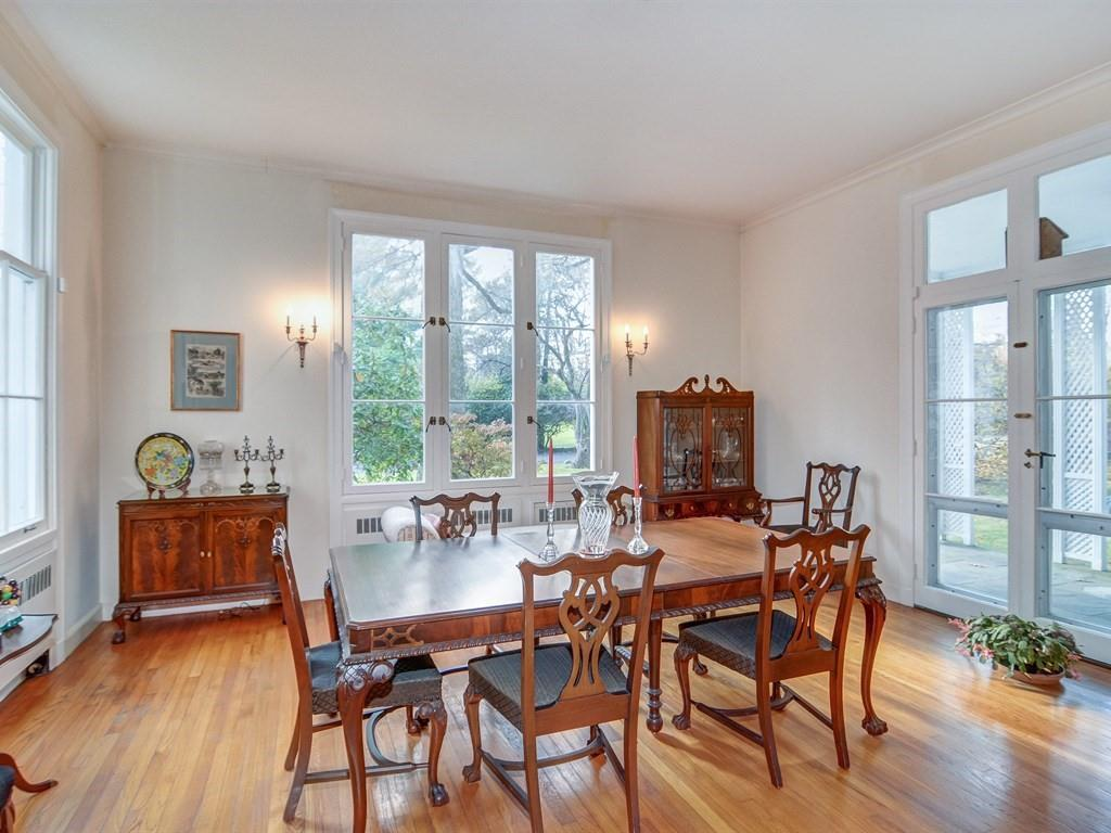 Spacious & Bright 5-Bd. Brick House w/ Lovely Patios & Garden on Charming Private Lane