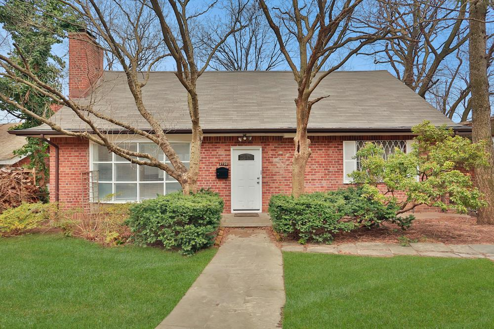 3-Bd. Brick House w/ Covered Balcony, Deck  & Backyard on Leafy Cul-de-Sac