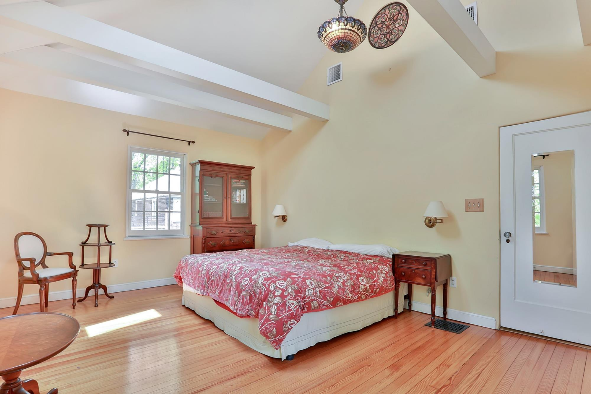 Renovated 4-Bd. 1920s Mediterranean-Style House on Delafield Avenue