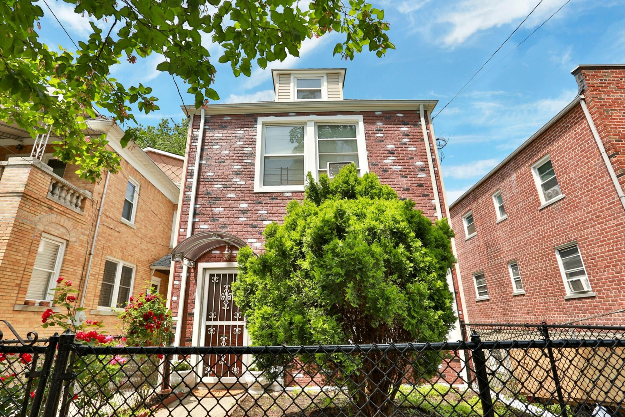 NORTH RIVERDALE: 3-Bd. House w/ Deck on West 261st Street