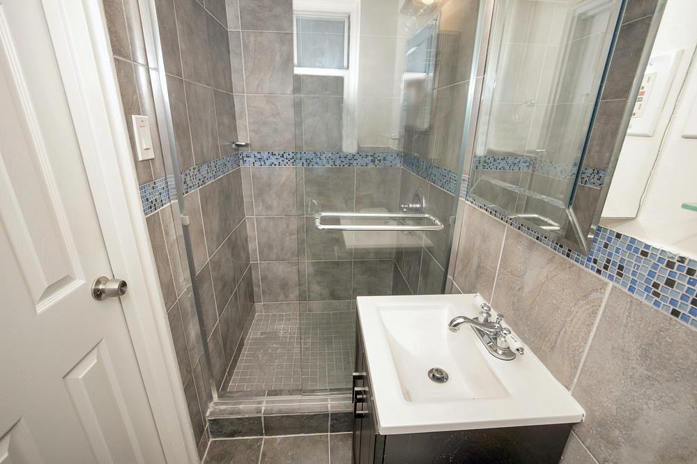 Low-Floor 3-Bd., 2-Bath Co-op w/ Laundry in Unit & Doormen