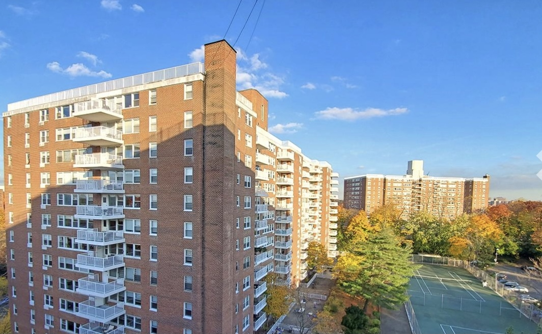 NO FEE - LUXURY:  Rent Stabilized 1 Bedroom, Private Rooftop Patio with Southern Exposure, Low Floor, 24-hr. Doormen, Fitness Room, Tennis Courts, Recreation Room; Pool & Parking available
