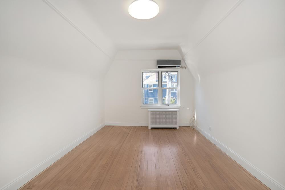 Renovated & Cozy 2-Bd. Brick House w/ Private Patio & Garden Space